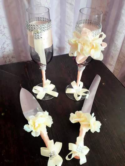 Personalized wedding flute - Cake on Aster Vender