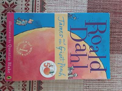 James and the Giant Peach - Fictional books on Aster Vender