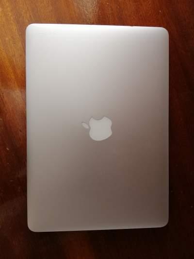 Apple Macbook Pro - Laptop on Aster Vender