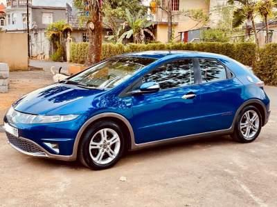 Honda Civic Hatchback '2011 - Sport Cars on Aster Vender