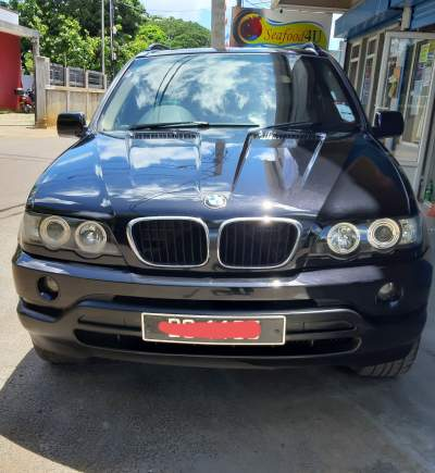 BMW X5 - SUV Cars on Aster Vender
