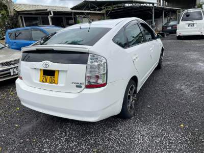 Toyota Prius Year 06 - Compact cars on Aster Vender