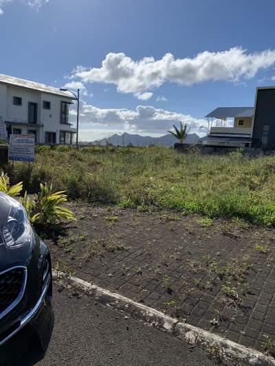 Land for sale- aurea living harmony - Land on Aster Vender