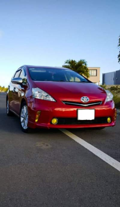 Toyota Prius Alpha - Family Cars on Aster Vender