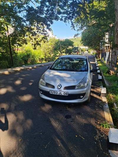 Renault Clio 3 - Compact cars on Aster Vender