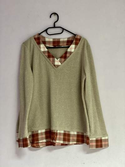 Top with collar detailing - Tops (Women) on Aster Vender