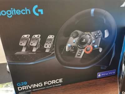 Steering wheel + shifter - Other Indoor Sports & Games on Aster Vender