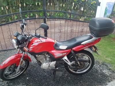 A vendre Motorcyclette Jianshe assurance 16.06.2022, declaration April - Roadsters on Aster Vender