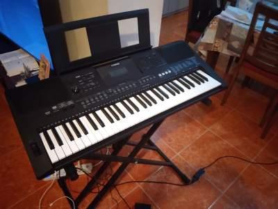 YAMAHA PSR E463 - Electronic piano on Aster Vender