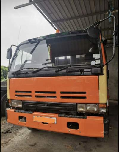 Camion Nissan PF6 Turbo - Truck bed on Aster Vender