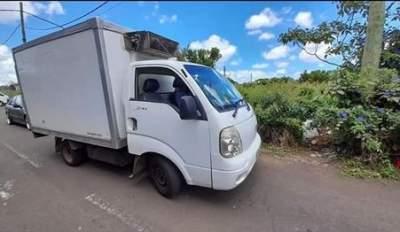 VAN Frigorifié  KIA 2700 avec caisse frigo - Cargo Van (Delivery Van) on Aster Vender