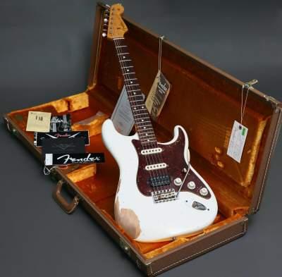 2014 Fender Custom Shop White Lightning Stratocaster Relic HSS Floyd R - Electric guitar on Aster Vender