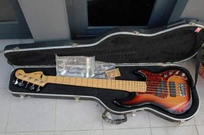 Fender American Deluxe Jazz V 5-String bass, 3-Color Sunburst - Bass guitar on Aster Vender