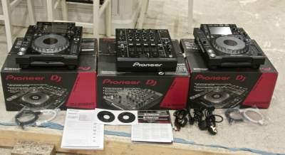 2 Pioneer CDJ2000 and 1 DJM2000 - Other Studio Equipment on Aster Vender