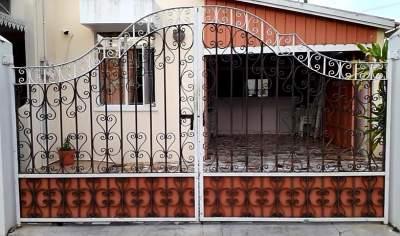 METAL AND GALVANISED GATE - Garden Furniture on Aster Vender