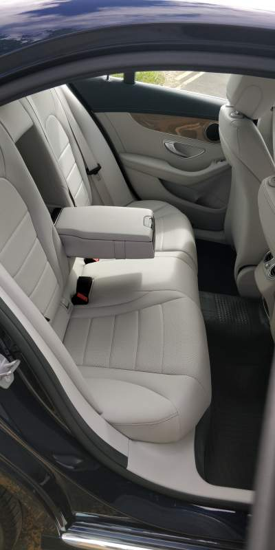 Mercedes C-Class - Luxury Cars on Aster Vender