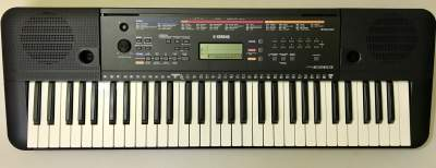 Yamaha PSR E263 - Piano on Aster Vender