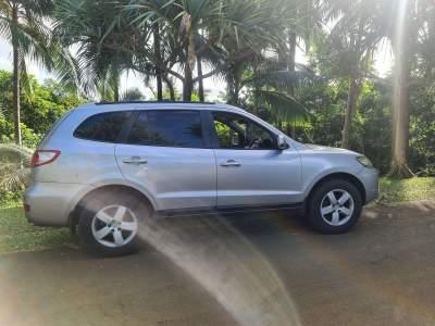 Hyundai santa fe  - SUV Cars on Aster Vender