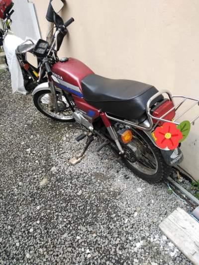 Motorcycle  - Roadsters on Aster Vender
