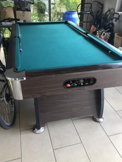Billard table - Billiards on Aster Vender