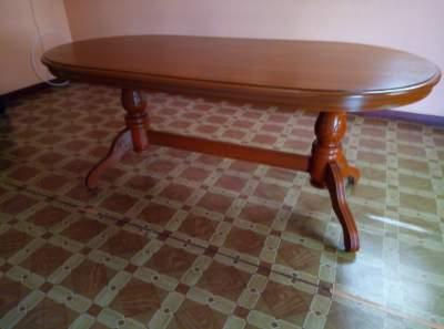 Table salle à manger et les 6 chaises  - Table & chair sets on Aster Vender