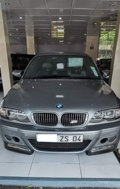 BMW 318 I - Family Cars on Aster Vender