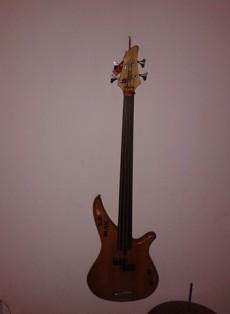 Guitar fretless  - Bass guitar on Aster Vender