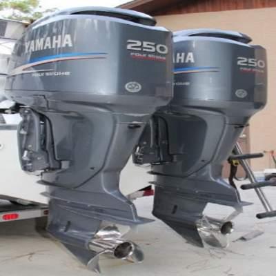 Slightly Used Yamaha 250HP 4-Stroke Outboard Motor Engine - Boat engines on Aster Vender