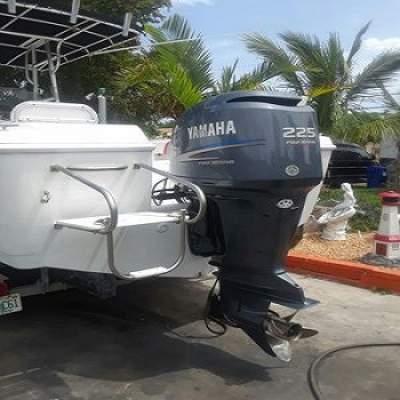 Slightly Used Yamaha 225HP 4-Stroke Outboard Motor Engine - Boat engines on Aster Vender
