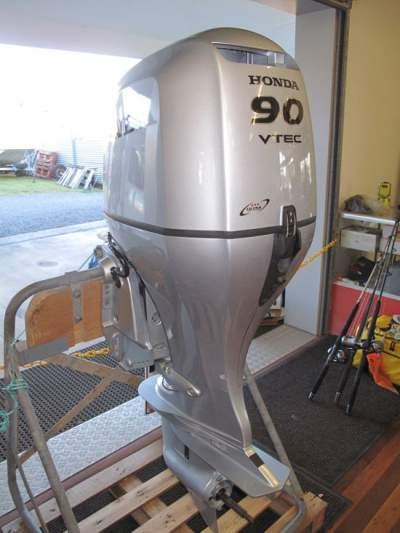 Slightly Used Honda 90HP 4-Stroke Outboard Motor Engine - Boat engines on Aster Vender