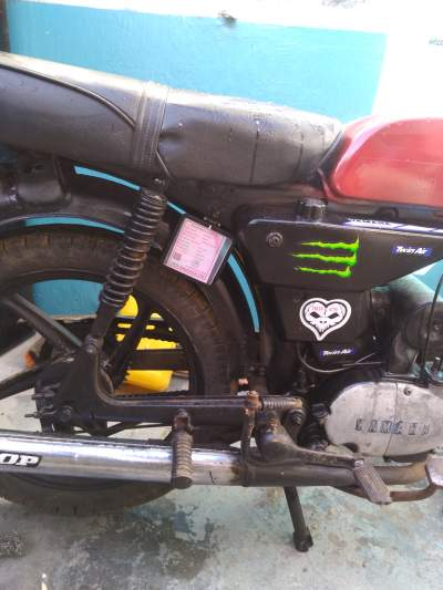 Motocycle yamaha 50cc - Roadsters on Aster Vender