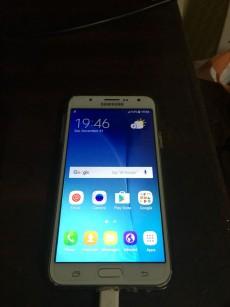 J7 samsung - Samsung Phones on Aster Vender
