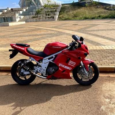 Hyosung 650 - Sports Bike on Aster Vender
