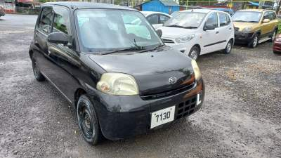 Daihatsu Esse YR 10  - Compact cars on Aster Vender