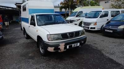 Single Cab Nissan Yr 07 - Pickup trucks (4x4 & 4x2) on Aster Vender