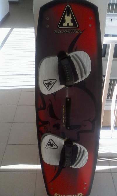 COMPLETE KITESURF SET WITH GAASTRA BOARD  - Water sports on Aster Vender