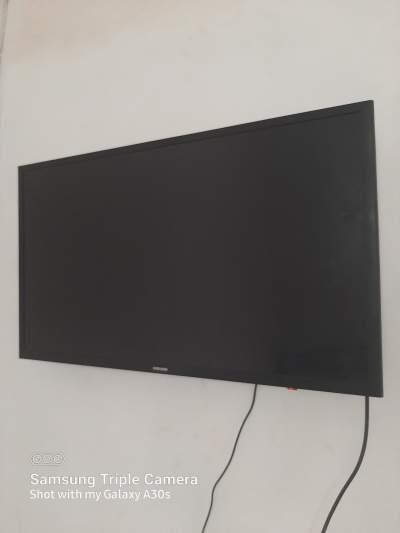 TV samsum 32  - All household appliances on Aster Vender