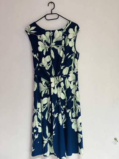 Floral dress - Dresses (Women) on Aster Vender