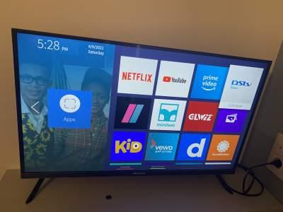 "Hi-sense 32"" smart tv  - All electronics products on Aster Vender"
