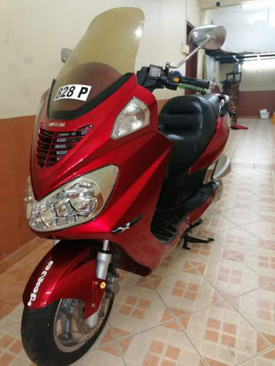Daelim Scooter 250cc - Scooters (above 50cc) on Aster Vender