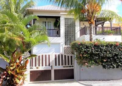 (Ref. MA7-092) A vendre maison sur deux niveaux - Pereybere - House on Aster Vender
