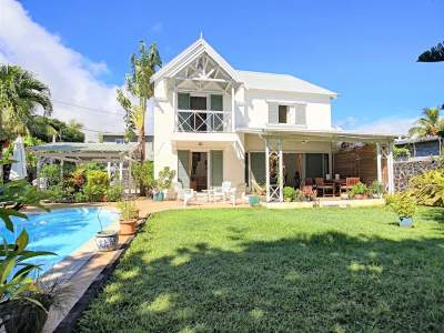 (Ref. MA7-107) À vendre - Roches Noires, belle maison créole - House on Aster Vender