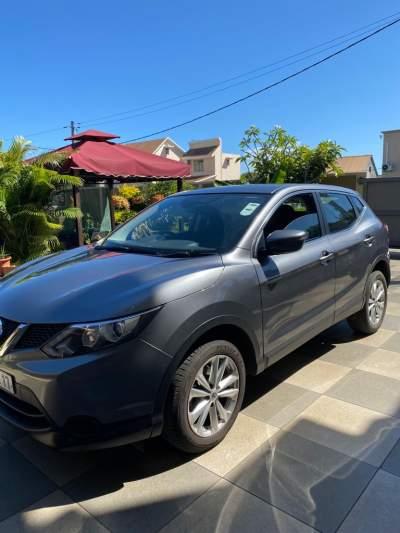 Nissan Qashqai 2017 - SUV Cars on Aster Vender