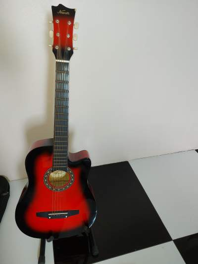 Guitare 3/4 - Accoustic guitar on Aster Vender