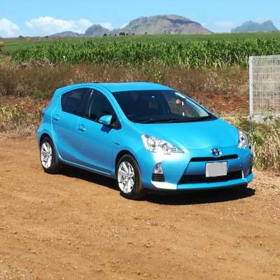 Toyota Aqua 2013 - Compact cars on Aster Vender