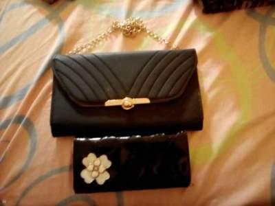 Un sac a main & une porte feuille a vendre - Bags on Aster Vender