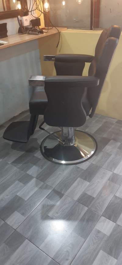 Barber chair - Other Hair Care Tools on Aster Vender