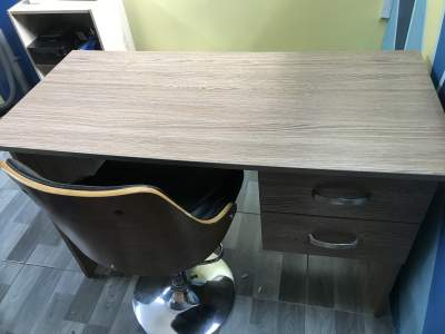 Nail table and chair - Hair & Beauty Salon on Aster Vender