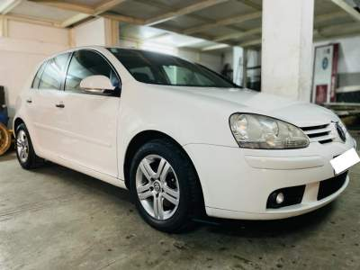 Volkswagen Golf 5- Excellent condition - Family Cars on Aster Vender