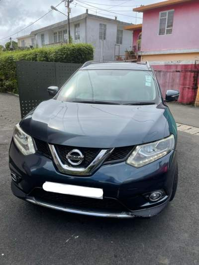 Second- hand Nissan X-Trail - SUV Cars on Aster Vender